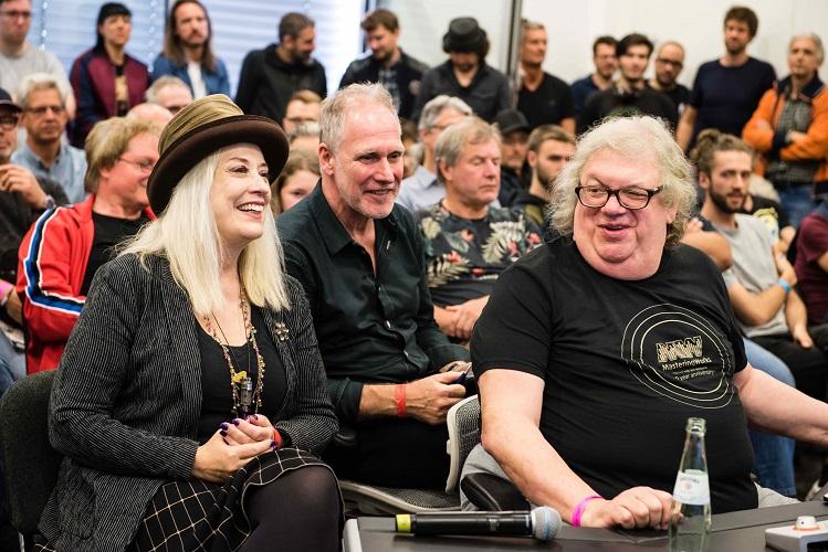 Highlight 2019: Star-Engineers Sylvia Massy, Peter Walsh und Mick Guzauski gaben persönliches Feedback zur Produktion von ausgewählten Tracks.